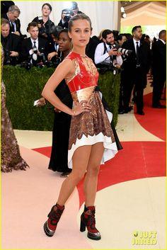 Alicia Vikander Shows Off Legs in Edgy Met Gala 2016 Look