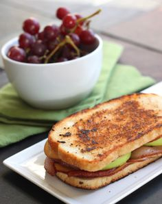 The Cilantropist: Smoked Gouda, Apple, and Bacon Melt . I'd like to try this with my Velata Gouda cheese.