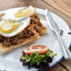 Kick start your morning with a tantalizing Big Bay Breakfast: Toast topped with baked beans curried mince and fried eggs - Cooked to perfection! We're almost ready - are you? Big Bay, Beans Curry, Calamari, Fish And Chips, Baked Beans, Fried Eggs, Breakfast Toast, Yummy Food, Beef