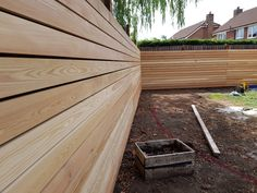 Siberian larch fencing Decorative Garden Fencing, Fence Construction, Privacy Fence Designs, Side Yards, Modern Fence, Small Garden Design, Outdoor Landscaping, Types Of Houses, Garden Planning