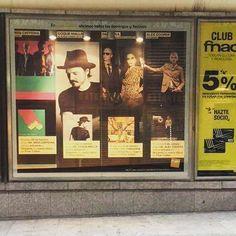 Qué bien! Ya salgo hasta en los escaparates de las grandes tiendas de música junto a gente famosa. Lástima que ya nadie compre discos... by coquemalla