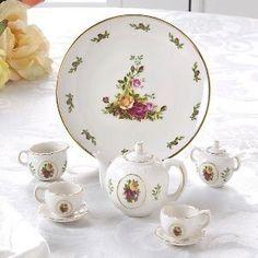 Childrens Tea Sets, Dish Sets, Miniture Things, Royal Albert, Vintage Tea, Tea Time, Tea Party, Tea Cups, Decorative Plates