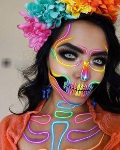 Image may contain: one or more people Beautiful Halloween Makeup, Halloween Eye Makeup, Halloween Dress, Crazy Makeup, Cute Makeup, Makeup Inspiration, Makeup Ideas, Creative Makeup Looks, Skull Makeup