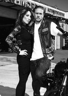 Charlie Hunnam & Katey Sagal