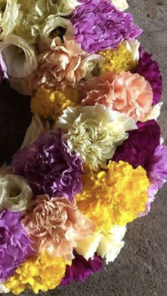 Yellow Carnations, Mini Carnations, White Carnation, Peach Flowers, Cream Flowers, Colorful Flowers, White Flowers, Wedding Wholesale, Flowers For Sale