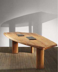 Pierre Jeanneret, une table pour Madeine et Jean Prouvé Galerie Downtown François Laffanour Début : 25/10/2013 Fin : 30/11/2013 Website : www.galeriedowntown.com  18 rue de Seine, Paris 8°