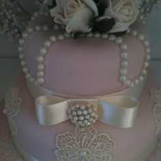 Lace pearl cake by Susan McEvoy of Cake Couture