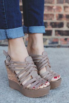 Womens Strappy Platform Wedge Sandals w// Ankle Strap Taupe 5.5-10