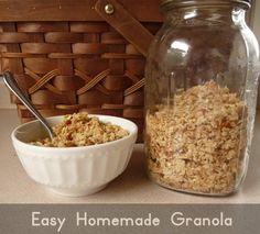 Easy Homemade Granola Recipe (coconut oil, honey, oats and almonds): Easy Homemade Granola Recipe (coconut oil, honey, oats and almonds)