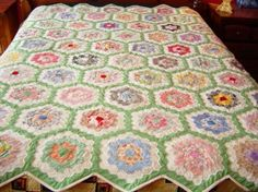 I AM IN LOVE !! Grandmothers Garden Quilt