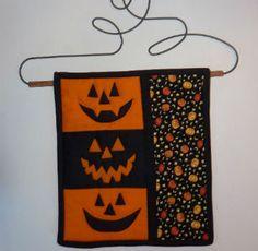 FREE PATTERN: Festive pumpkin mini quilt