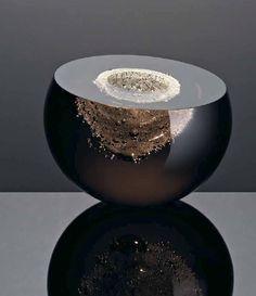 Baby Moon (vase) by Anna Torfs Verre Design, Glass Design, Vases, Design Floral, Art Of Glass, Sculpture Art, Decorative Accessories, Decorative Bowls, Anna