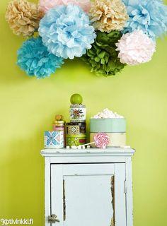 Paperipallo poikineen on ihana sisustuselementti lastenhuoneeseen, mutta ne toimivat yhtä lailla koristeina juhlissa. Kurkkaa taitteluohje!