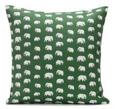 Echt tierisch: Kissen mit Elefanten-Print, SVENSKT TENN