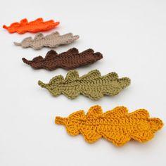 Herfsthaaksels (3): eikenbladeren (Hilde Haakt) Crochet Tree, Crochet Leaves, Crochet Fall, Halloween Crochet, Irish Crochet, Diy Crochet, Crochet Flowers, Crochet Leaf Patterns, Crochet Decoration