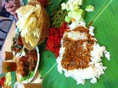 Famous banana leaf rice from bangsar! yum yum..