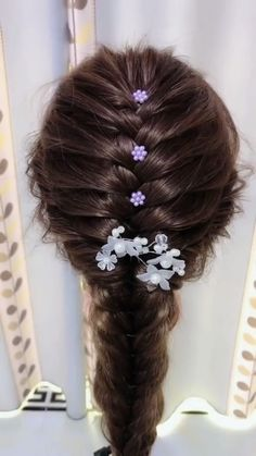 styles for long hair length easy videos Long Hair Style Braid Trends & Inspiration for Student braided video tutorial easy Hairstyles For Medium Length Hair Easy, Medium Length Hair With Layers, Braids For Long Hair, Easy Hairstyles, Wedding Hairstyles, Hairstyles Videos, School Hairstyles, Beautiful Hairstyles, Straight Hairstyles