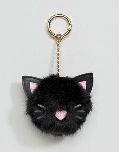 Imagen 1 de Llavero con pompón con diseño de gato extragrande de ASOS Más http://amzn.to/2k2HTMQ