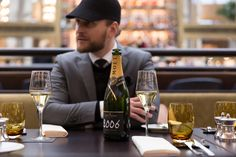 the perfect champagne for a special occasion is the limited grand vintage 2006 by moët & chandon. Moet Chandon, Vienna, Photoshoot, Park, Celebrities, Vintage, Beautiful, Celebs, Photo Shoot