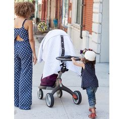 It's all about @littledreambird stroller covers on the blog today! Head over to scoutthecity.com to read more (link in bio). Don't worry I didn't have a new secret baby but we did babysit briefly. Now I seriously have baby fever  (: @lydiahudgens )