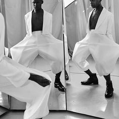 /  VENDA EXCLUSIVA @_pair  /  N A R C I S A L I A  /  @weslleybaiano /  foto @tomtebet  direçao de arte @marcelo_von_trapp  @adrianelisboa   direçao de imagem @igiayedun  beleza @jakefalchi  produçao @gregcand  bijoux @a.lu.f