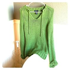 American Eagle Outfitters green knit sweater Selling a American Eagle Outfitters green knit sweater medium in size. This sweater is very soft and comfortable. It hangs a little bit past waistline to top of thighs. Can cuff the sleeves for different look. Sweater is in great condition and ready for wear. American Eagle Outfitters Sweaters Crew & Scoop Necks
