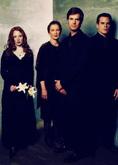 The brilliant cast of Six Feet Under | #sixfeetunder #michaelchall #laurenambrose