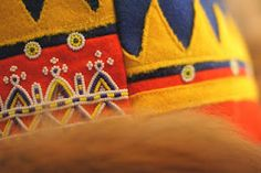 Traditional pattern of the Sami hats and gakti. *The Saami - Samisk - Sámi* Folk Costume, Costumes, Lappland, Belt Purse, Native Style, Indigenous Art, Samara, Arm Band Tattoo, We The People