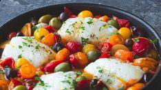Alt i en panne: Lettsaltet torsk med poteter, tomat og oliven
