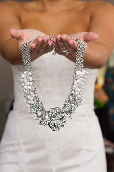 Love this pearl and diamond choker #wedding #jewelry