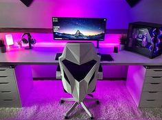 gorgeous 35 Comfy Video Game Rooms Design Ideas For The Beginners Ultimate Gaming Room, Best Gaming Setup, Gamer Setup, Gaming Room Setup, Computer Gaming Room, Computer Desk Setup, Gaming Rooms, Gaming Desk White, Computer Technology