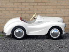 Austin J40 Pedal White Car