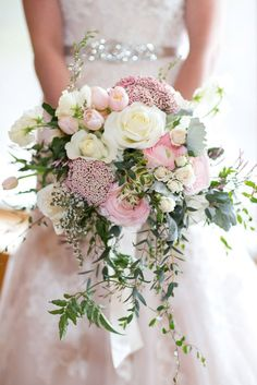 18 Green Wedding Florals To Add Naturalness To Your Wedding ❤ Choosing green wedding florals you add more sophistication and nature to your big day. See more: http://www.weddingforward.com/green-wedding-florals/ #wedding #green #florals