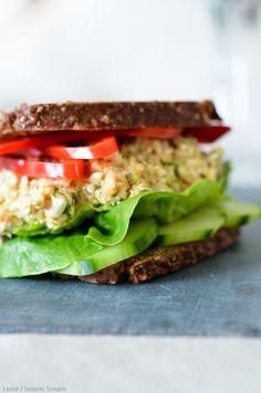 Fedtfattig tunsalat med hytteost og gulerod — Sesam, Sesam Diet Recipes, Healthy Recipes, Healthy Meals, Healthy Food, Protein Snacks, Fabulous Foods, Soul Food, Food Inspiration, Tapas
