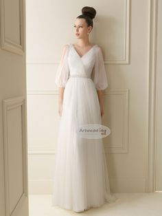 Three Quarter Sleeved V Neck Tulle Sheath Weding Gown with Belt
