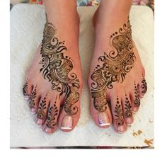 #simple #bridalfeethenna for a beautiful bride ! #indianwedding #keepitsimple #bridalhenna #henna #hennafeet #hennatattoo #hennatoronto #torontohenna #hennainspire #torontohennaartist #mehandi #mehndi #mehndidesign #bigfatindianwedding #weddinginspiration