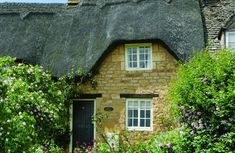 Rose Cottage with accommodation for 2 Guests in the village of Ebrington. The village is one of the most exquisite in the North Cotswolds, off the beaten track yet only a few miles from Chipping Campden and the famous gardens at Hidcote and Kiftsgate Rose Cottage, Cottage Chic, Cottage Breaks, Holidays In England, Village Inn, Walking Holiday, Famous Gardens, Open Fires, Wood Burner