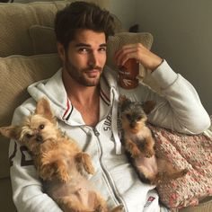 Nick x chiens - cute boys with cats & dogs - Nick Bateman, Martial, Outfits Hombre, Little Bit, Bad To The Bone, Man And Dog, Hommes Sexy, Hot Boys, Mans Best Friend