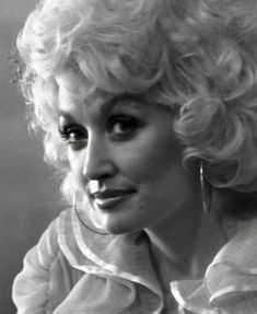 Dolly+Parton,+1970s+(10).jpg (804×981)