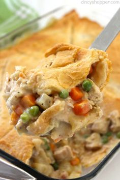 Chicken Pot Pie Casserole - Super simple weeknight family meal idea with crescent rolls!!