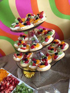 Mini fruit pizzas, birthday party food, bright food, fun party food, food display