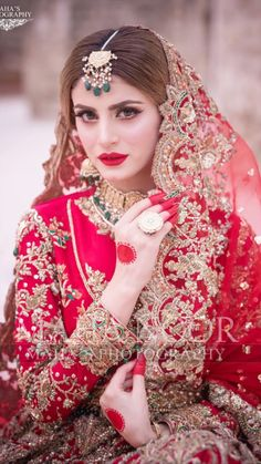 Asian Bridal Dresses, Bridal Mehndi Dresses, Indian Wedding Gowns, Asian Wedding Dress, Pakistani Wedding Outfits, Bridal Dress Design, Wedding Dresses For Girls, Bridal Outfits, Pakistani Dresses