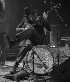 .just sitting on a kickdrum playin my banjo