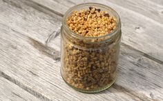 Homemade, crunchy, low on sugar and high on nutrients - this granola is a perfect snack!