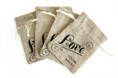 Burlap wedding favor bags. 15 USD per package by CreativeMindBox, $1.85