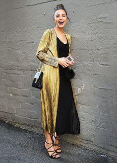 Olivia Culpo, de negro y dorado