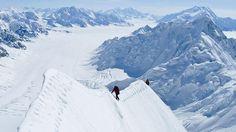 Cómo es el Monte Logan, el lugar donde está atrapada la montañista argentina