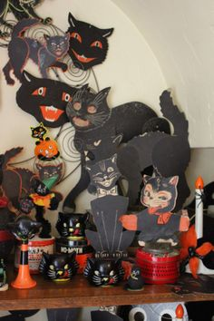 Vintage Halloween black cats