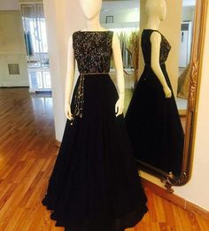 Dress To Impress With These Top Fashion Tips. Do you want to know more about fashion and look great? Indian Gowns, Indian Attire, Ethnic Outfits, Indian Outfits, Mehendi Outfits, Red Lehenga, Lehenga Choli, Anarkali, Bridal Lehenga