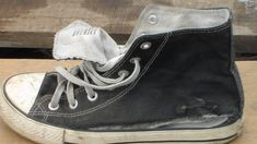 Vans, Sneakers, Shoes, Youtube, Ideas, Log Projects, Tela, Make Shoes, Cement Pots